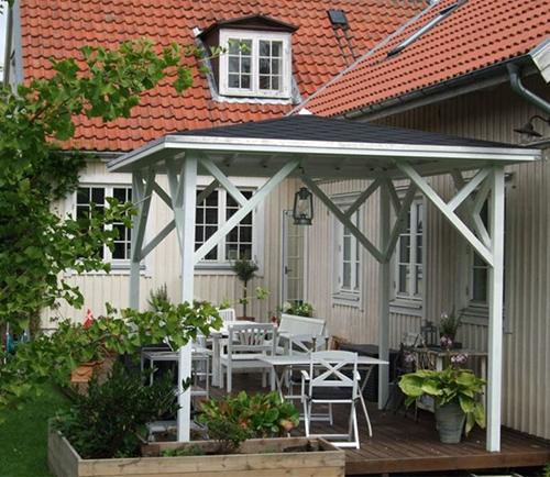 Terrasse konstruktion lavet af træ
